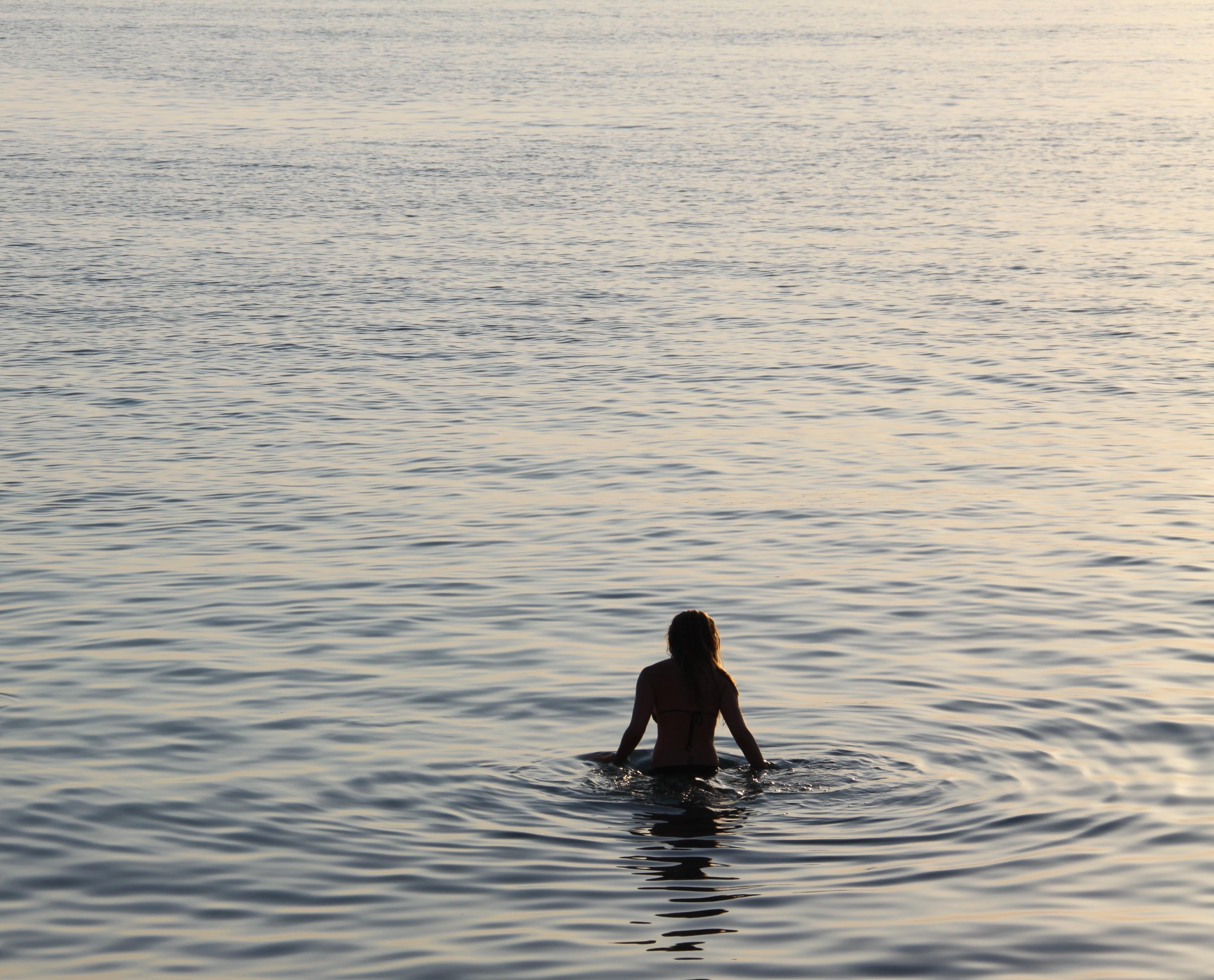 IMG_4416 vrouw in zee